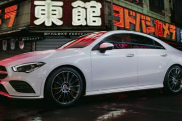 Bilen som du kan se er den nye Mercedes Benz CLA Coupe